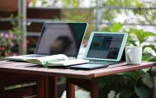 Kindle vs. Apple